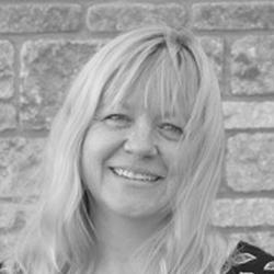 Karen Morrall Headshot