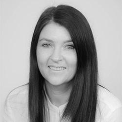 Louise Evans Headshot